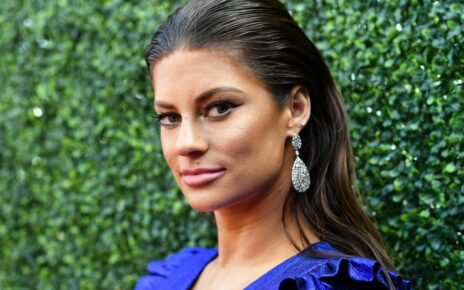 Hannah Stocking Net Worth 2020, Dating Life, Career