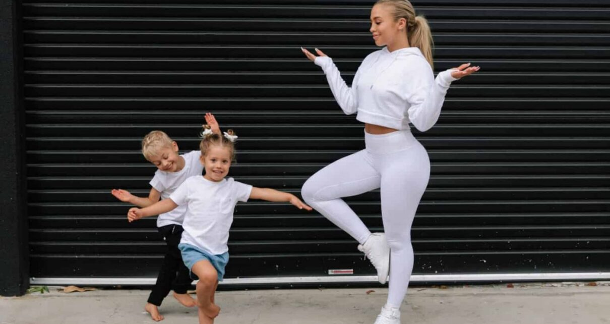 Tammy Hembrow Net Worth 2020, Career, Personal Life